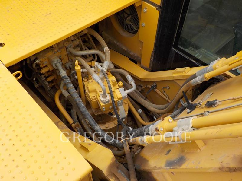 CATERPILLAR TRACK EXCAVATORS 329E L equipment  photo 16