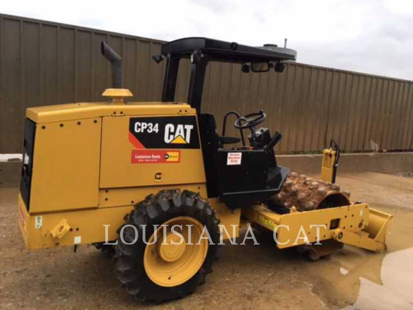 Detail photo of 2015 Caterpillar CP34 from Construction Equipment Guide