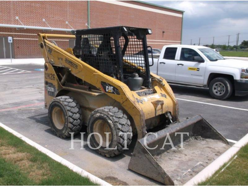 Caterpillar MINIÎNCĂRCĂTOARE RIGIDE MULTIFUNCŢIONALE 252B3 equipment  photo 2