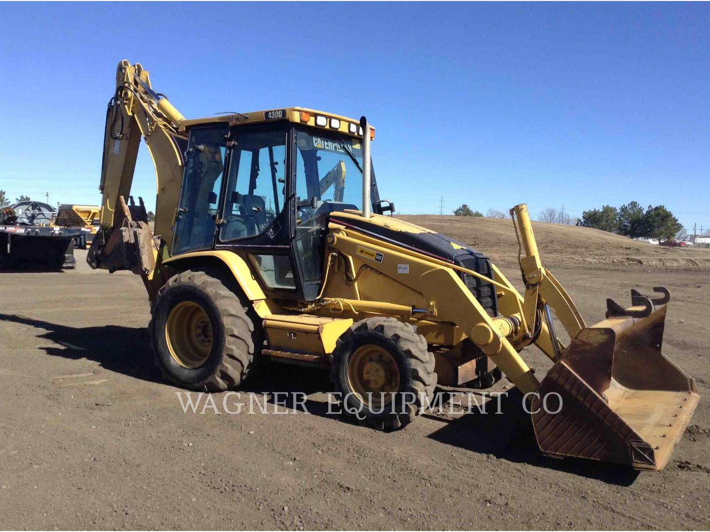 Detail photo of 2001 Caterpillar 430D from Construction Equipment Guide