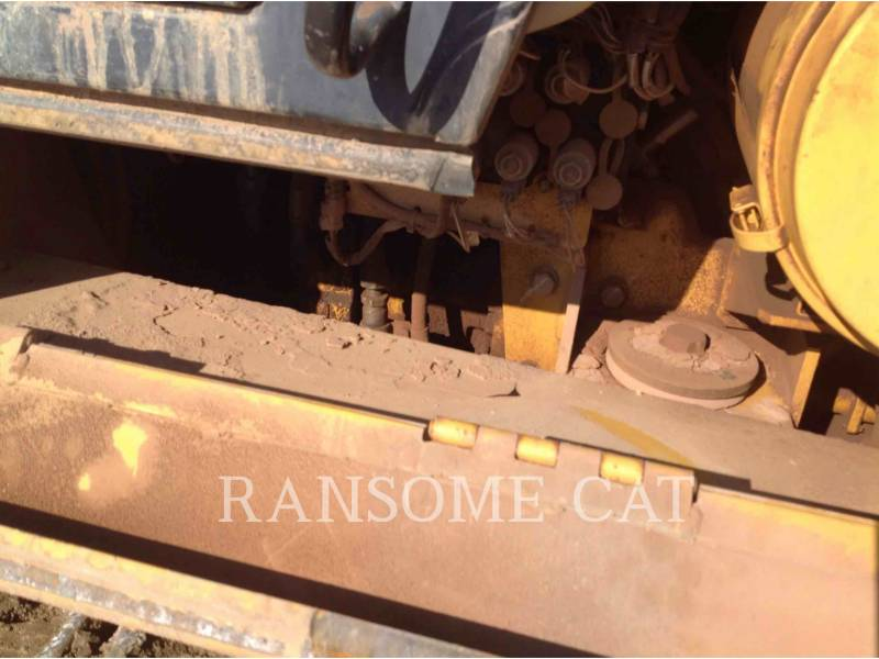 CATERPILLAR CHARGEURS SUR CHAINES 953C equipment  photo 19