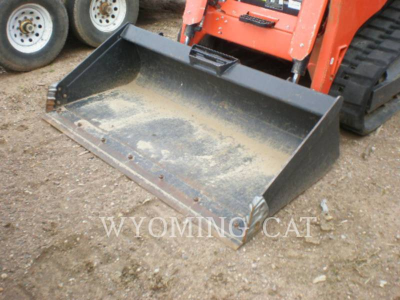 KUBOTA TRACTOR CORPORATION SKID STEER LOADERS SVL75-2 equipment  photo 8
