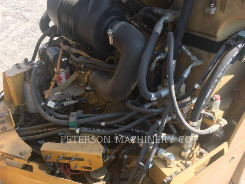 CATERPILLAR VIBRATORY DOUBLE DRUM ASPHALT CB-434D equipment  photo 10