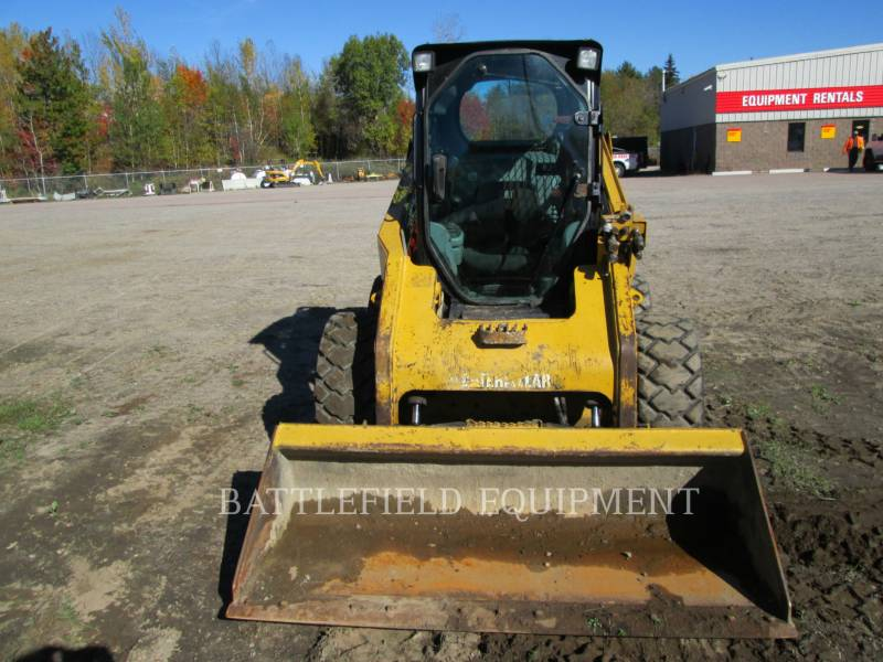 CATERPILLAR KOMPAKTLADER 246C equipment  photo 8
