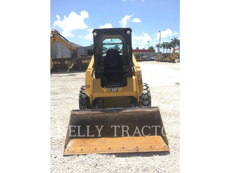 CATERPILLAR MINICARGADORAS 242 D equipment  photo 9