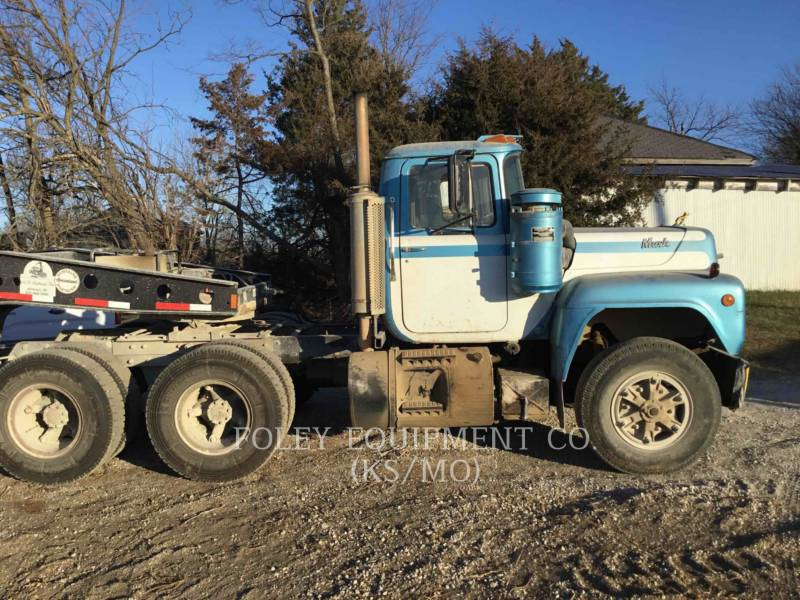 MACK CAMIONES DE CARRETER R223 equipment  photo 1