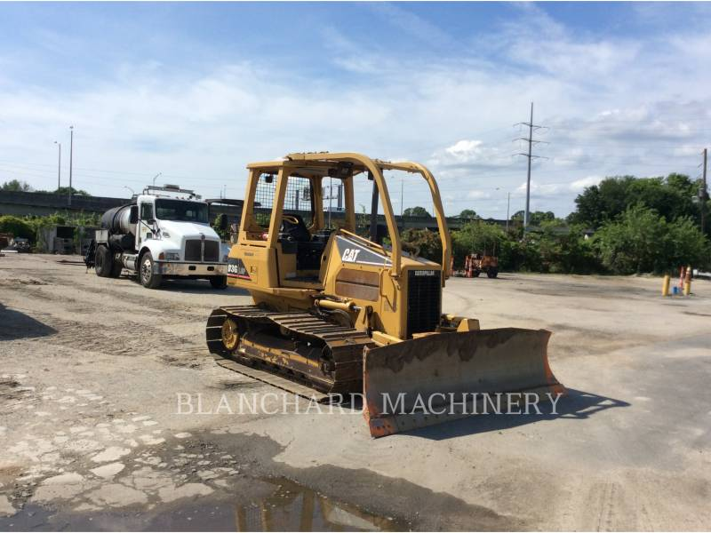 CATERPILLAR TRACTORES DE CADENAS D 3 G LGP equipment  photo 2