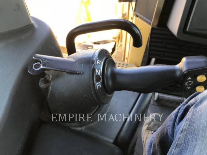 CATERPILLAR TRACTEURS SUR CHAINES D9T equipment  photo 6
