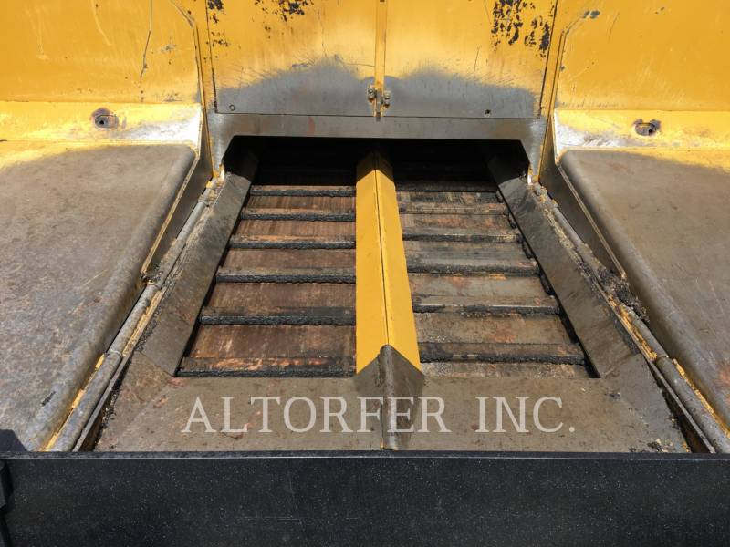 CATERPILLAR ASPHALT PAVERS AP1055E equipment  photo 9