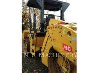 CATERPILLAR ASPHALT PAVERS CB54 equipment  photo 6