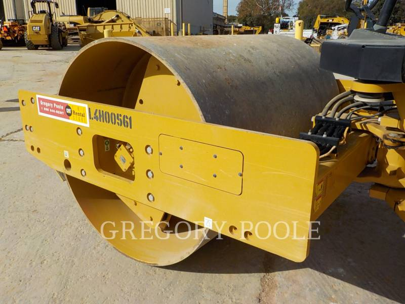 CATERPILLAR COMPACTEUR VIBRANT, MONOCYLINDRE LISSE CS-54B equipment  photo 15