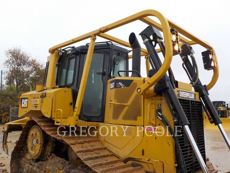 CATERPILLAR TRACK TYPE TRACTORS D6T XL equipment  photo 6