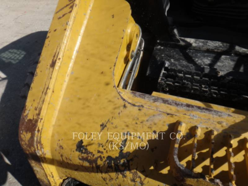 CATERPILLAR CHARGEURS COMPACTS RIGIDES 262C equipment  photo 18