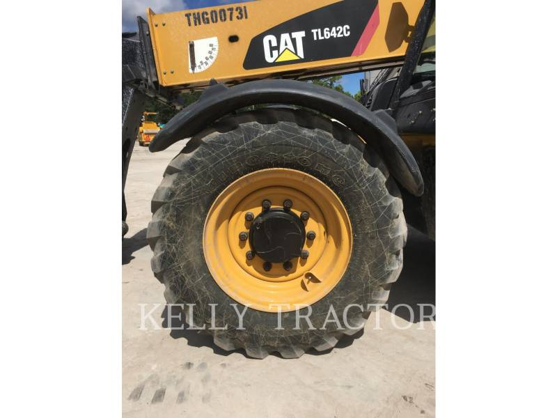Caterpillar STIVUITOR TELESCOPIC TL642C equipment  photo 13
