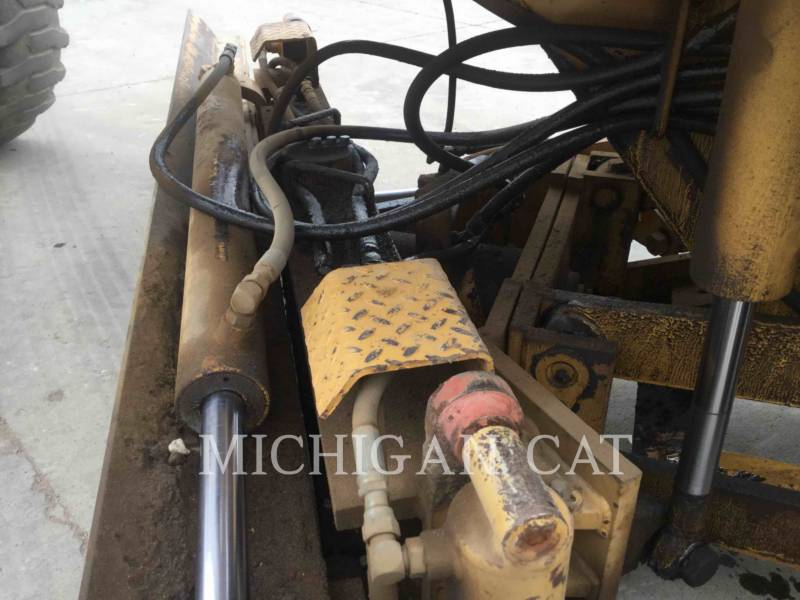 PSI MOTOR GRADERS M413XT equipment  photo 8