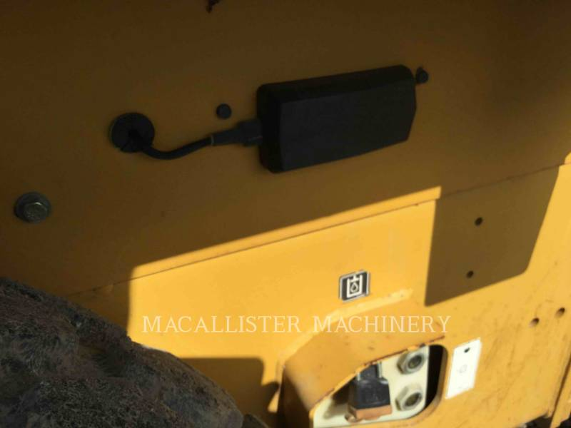 CATERPILLAR VIBRATORY SINGLE DRUM SMOOTH CS-433E equipment  photo 10