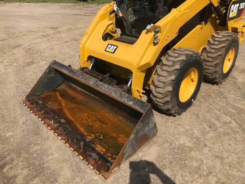 CATERPILLAR SKID STEER LOADERS 262 D equipment  photo 19