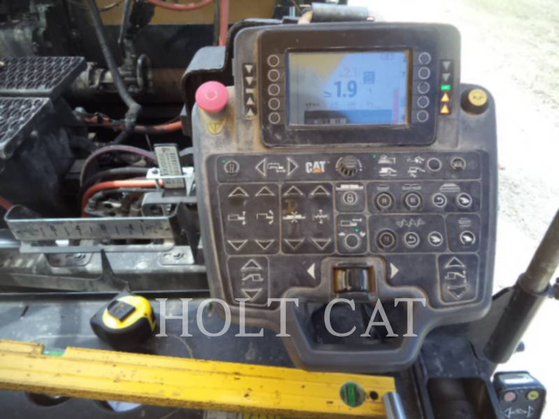 CATERPILLAR VIBRATORY SINGLE DRUM ASPHALT AP1000F equipment  photo 16
