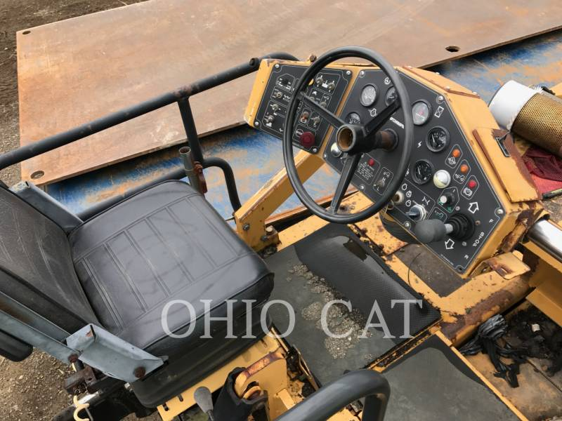 CHAMPION ASPHALT DISTRIBUTORS 1010W equipment  photo 4