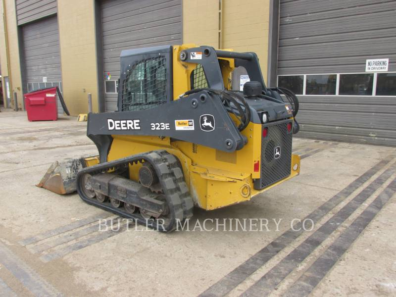 DEERE & CO. SKID STEER LOADERS 323E equipment  photo 3