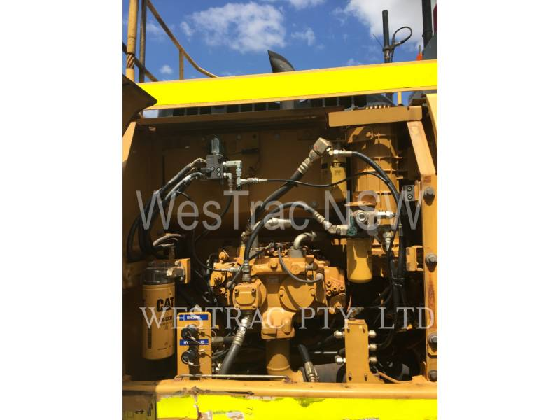 CATERPILLAR KETTEN-HYDRAULIKBAGGER 320D equipment  photo 12