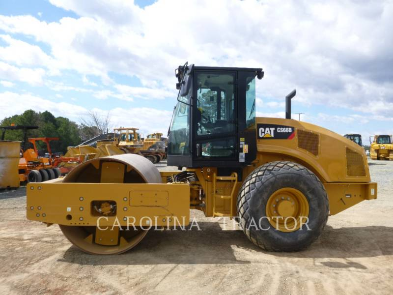 CATERPILLAR ROLETES DO TANDEM VIBRATÓRIO CS66B CB equipment  photo 1