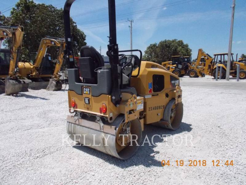 CATERPILLAR TAMBOR DOBLE VIBRATORIO ASFALTO CB24B equipment  photo 3