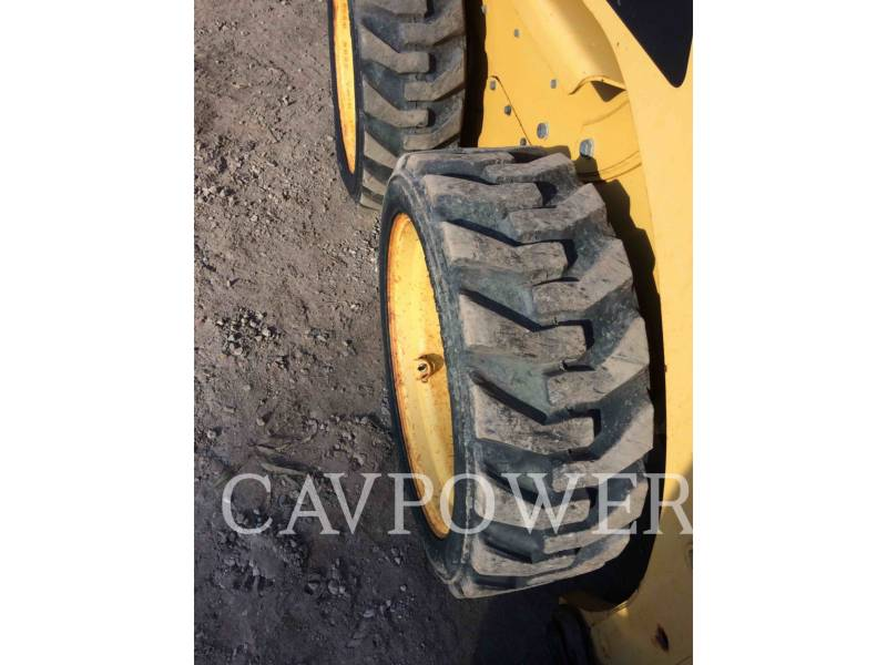 CATERPILLAR MINICARGADORAS 226B2 equipment  photo 14