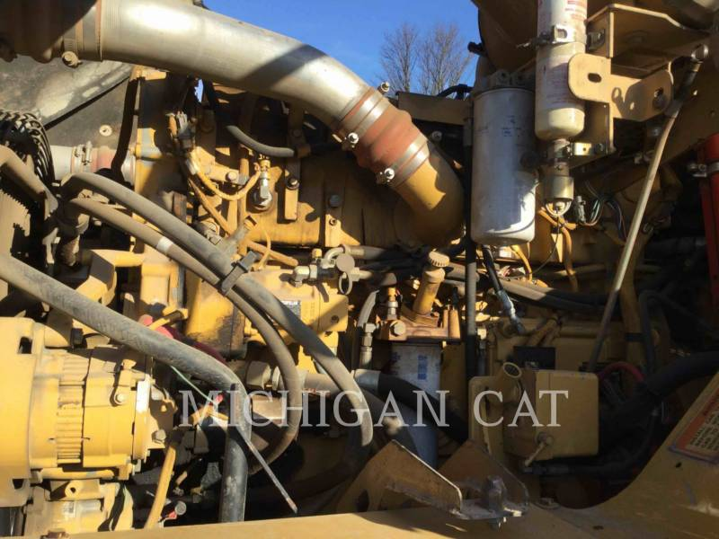 CATERPILLAR ARTICULATED TRUCKS 735 T equipment  photo 8