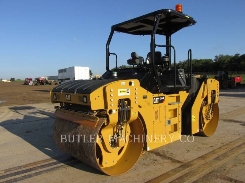 CATERPILLAR ASPHALT PAVERS CB44B equipment  photo 1