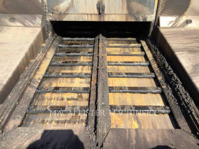 CATERPILLAR ASPHALT PAVERS AP-1000D equipment  photo 18