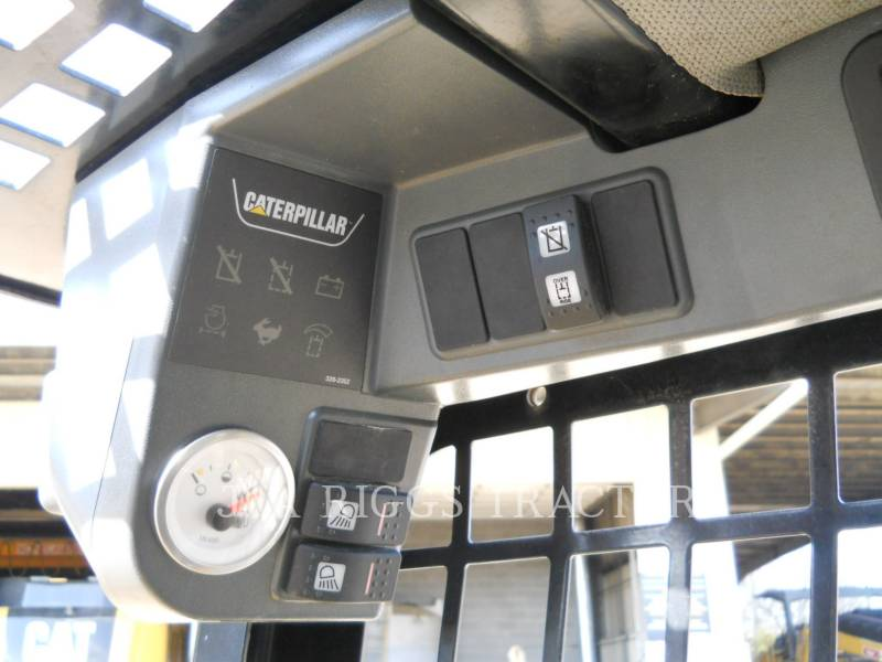 CATERPILLAR CHARGEURS COMPACTS RIGIDES 226B equipment  photo 19