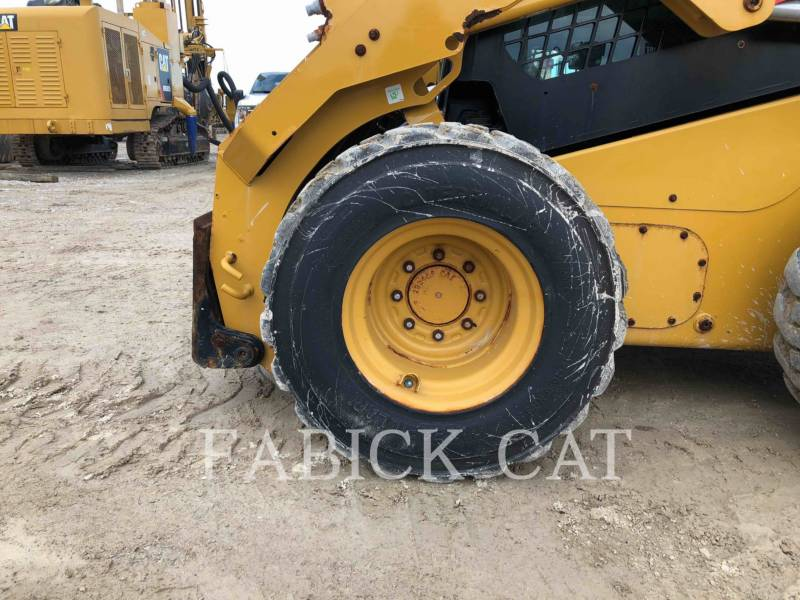 CATERPILLAR CHARGEURS COMPACTS RIGIDES 246D equipment  photo 11