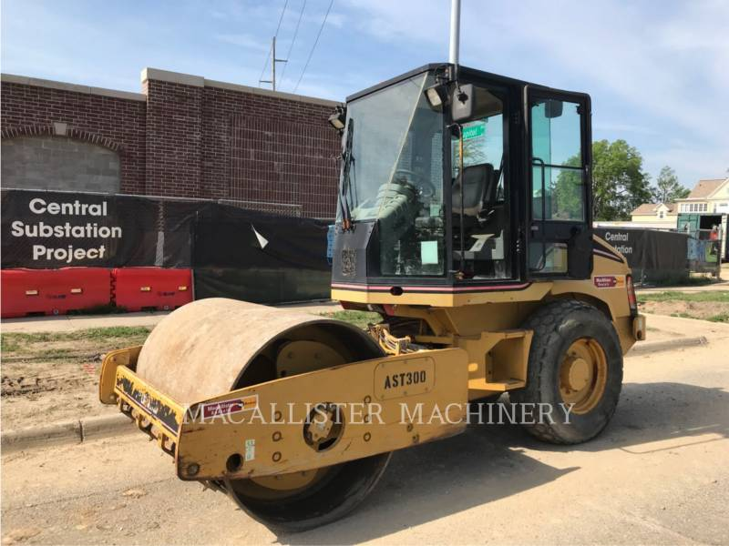 CATERPILLAR VIBRATORY SINGLE DRUM SMOOTH CS-423E equipment  photo 1