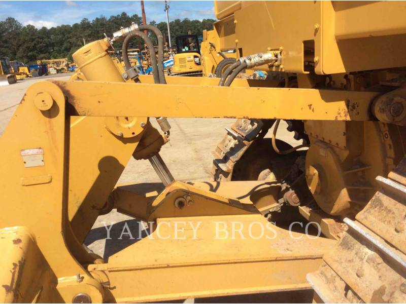 CATERPILLAR KETTENDOZER D6T XL equipment  photo 14