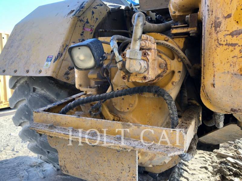 CATERPILLAR SCRAPER PER TRATTORI GOMMATI 657E equipment  photo 12