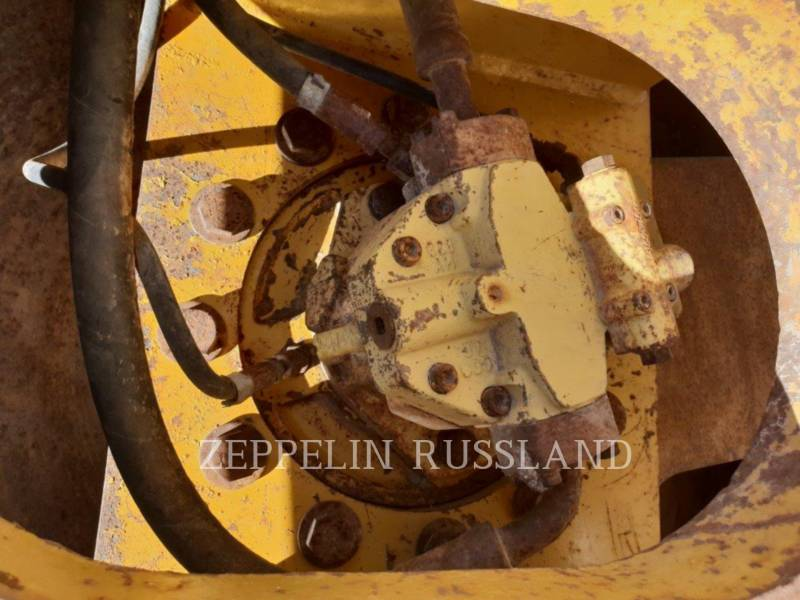 CATERPILLAR VIBRATORY SINGLE DRUM SMOOTH CS-583E equipment  photo 14