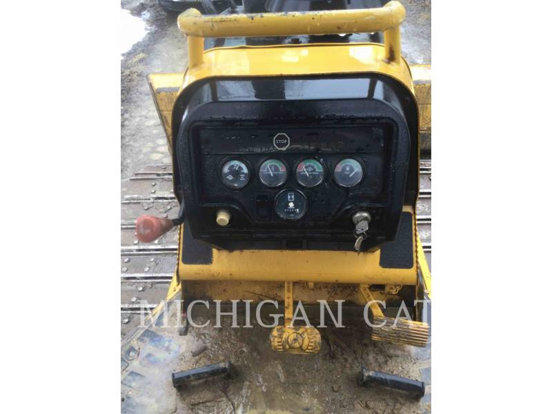 JOHN DEERE TRACTEURS SUR CHAINES 450H equipment  photo 5