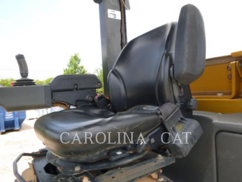 CATERPILLAR VIBRATORY TANDEM ROLLERS CP54B equipment  photo 8