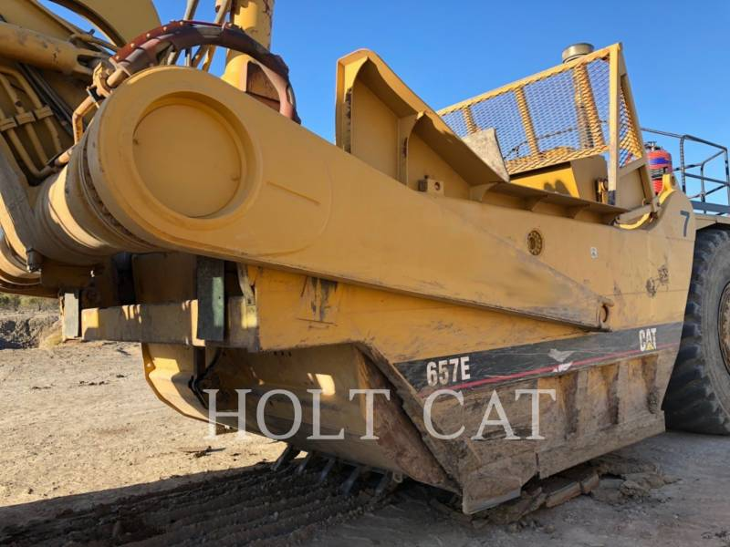 CATERPILLAR SCRAPER PER TRATTORI GOMMATI 657E equipment  photo 18