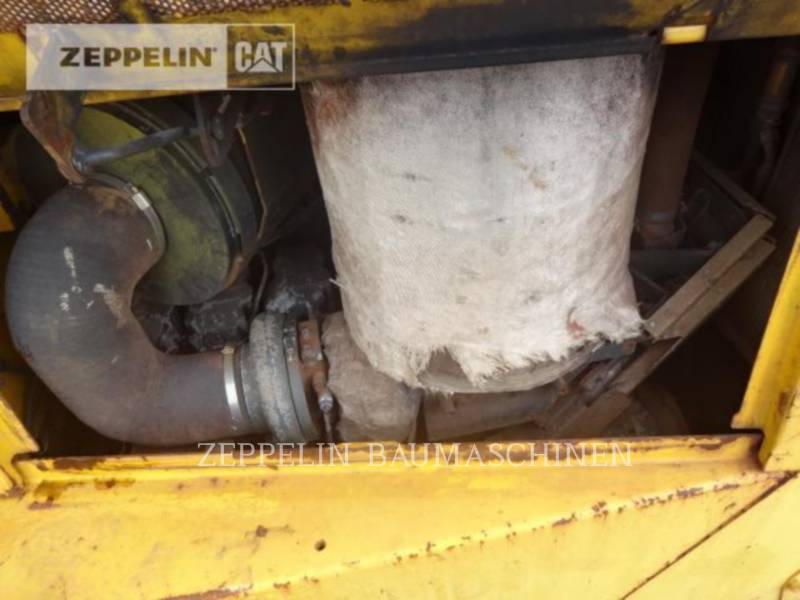 KOMATSU LTD. TRACTORES DE CADENAS D155AX-6 equipment  photo 16