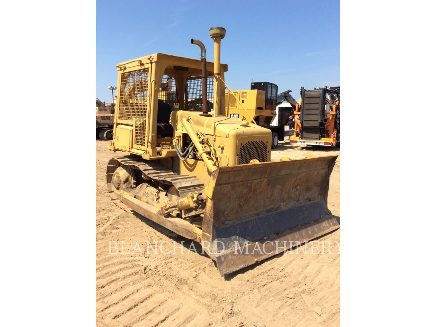 Detail photo of 1981 Caterpillar D4E from Construction Equipment Guide