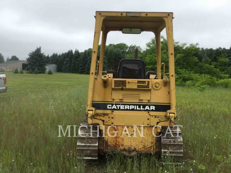 CATERPILLAR TRACK TYPE TRACTORS D3C equipment  photo 8
