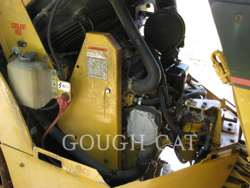 CATERPILLAR VIBRATORY DOUBLE DRUM ASPHALT CB-434D equipment  photo 13
