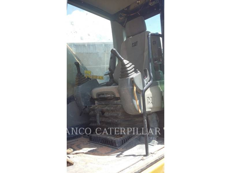 CATERPILLAR TRACK EXCAVATORS 320D2L equipment  photo 13