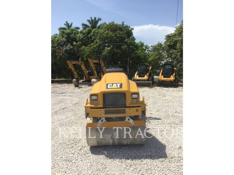 CATERPILLAR ROLO COMPACTADOR DE ASFALTO DUPLO TANDEM CB24B equipment  photo 8