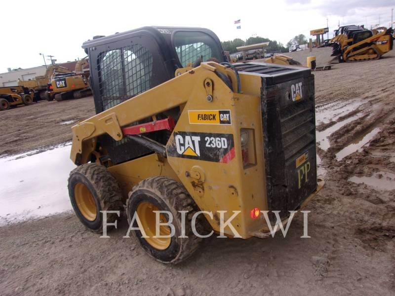 CATERPILLAR KOMPAKTLADER 236 D equipment  photo 3