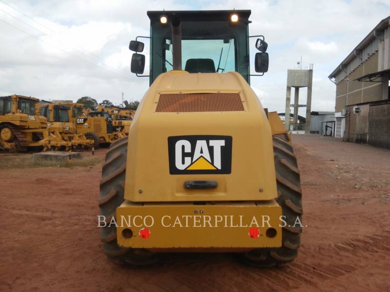 CATERPILLAR COMPACTEUR VIBRANT, MONOCYLINDRE LISSE CS54B equipment  photo 8
