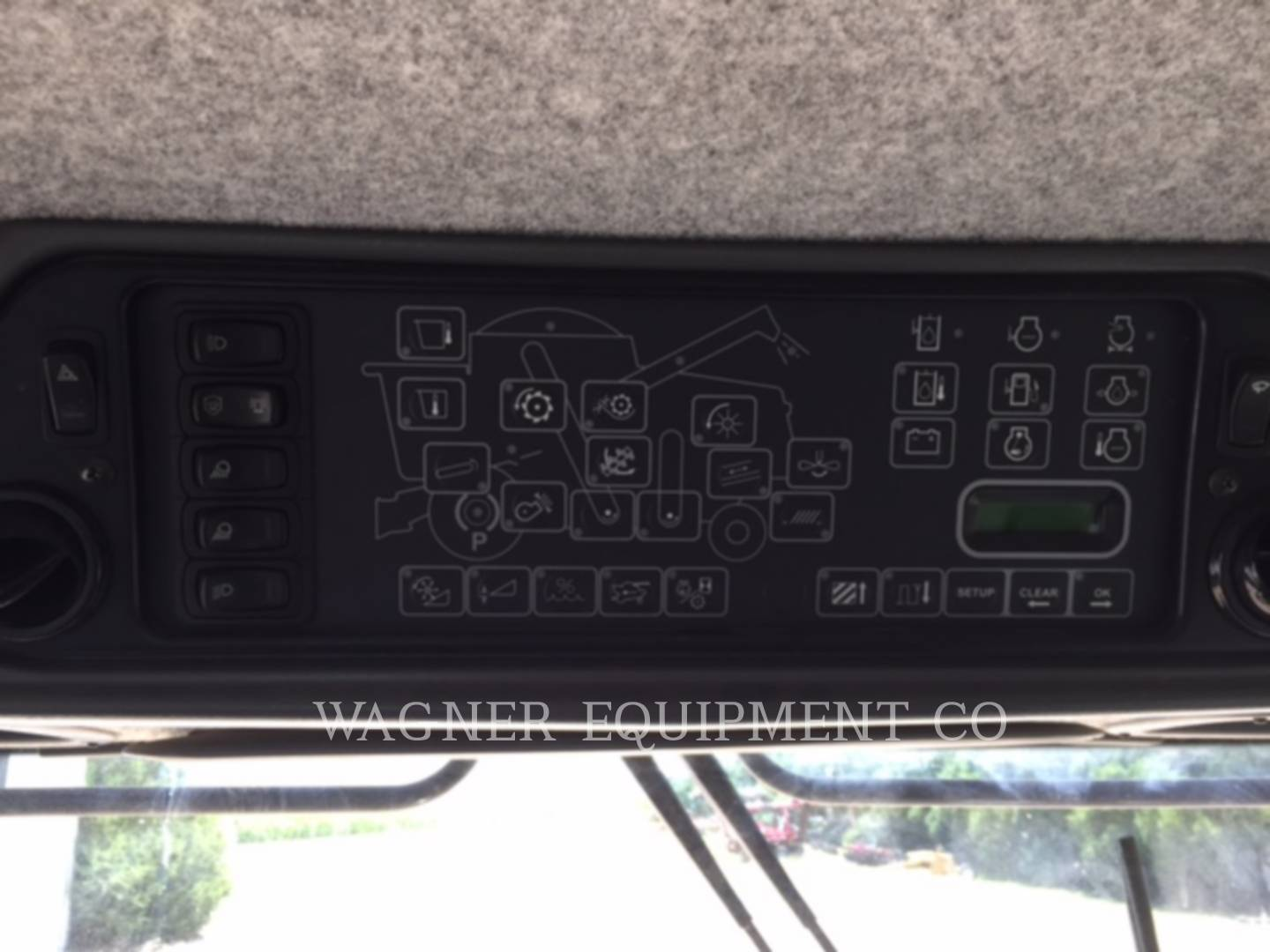 Detail photo of 2011 Gleaner S77 from Construction Equipment Guide