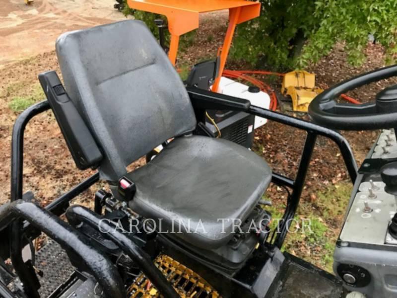 Caterpillar BETONIERE DE ASFALT AP600D equipment  photo 11